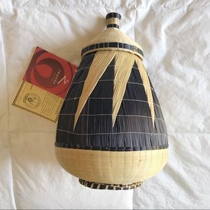 NWT Rwanda Tutsi Lidded Basket Macy's African Art